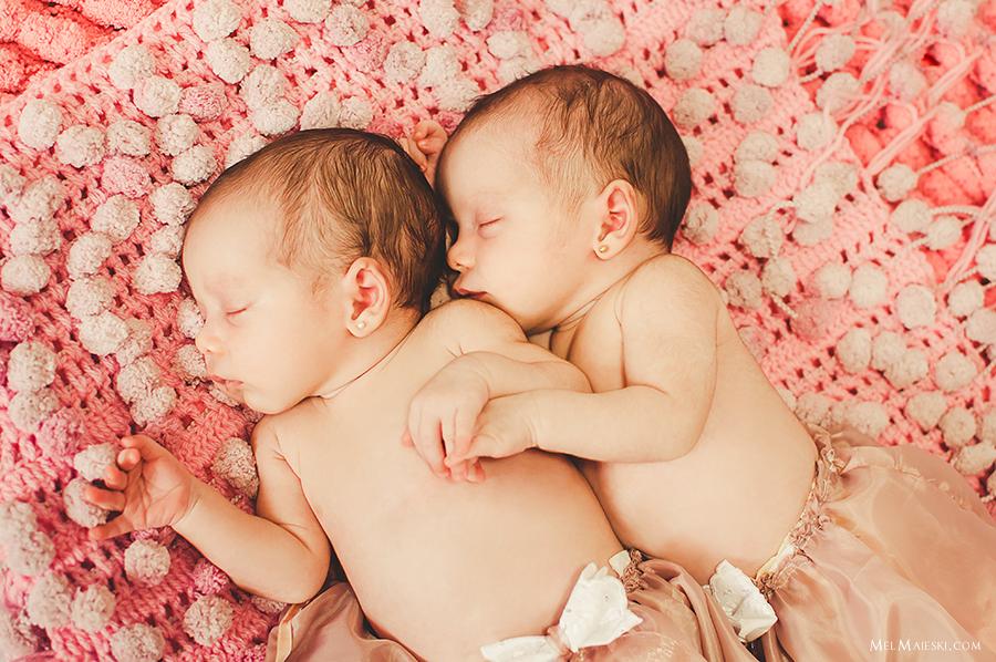 11-ensaio-newborn-gemeas-jaragua-do-sul